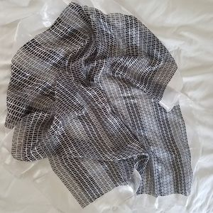 FENDI Shear Scarf/Wrap